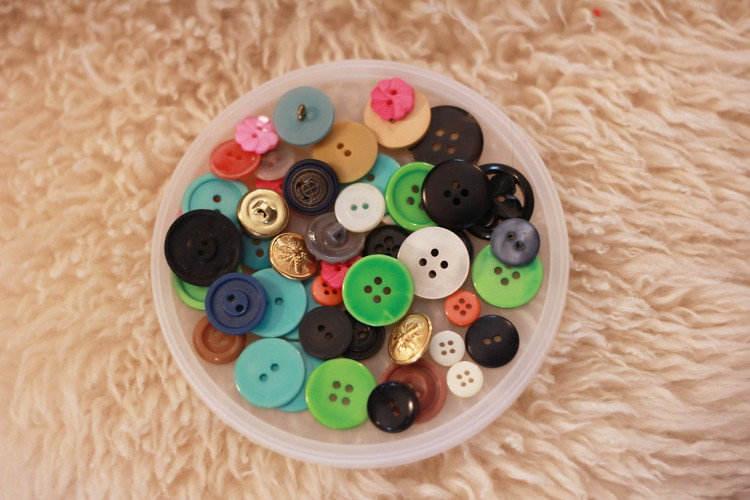 assorted new & vintage buttons