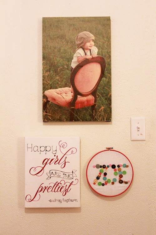 button hoop art