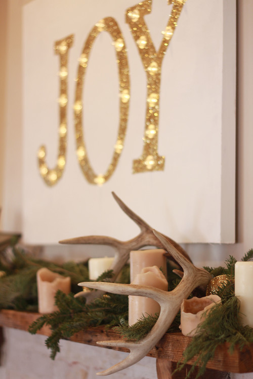 Christmas Cottage l JOY marquee mantel