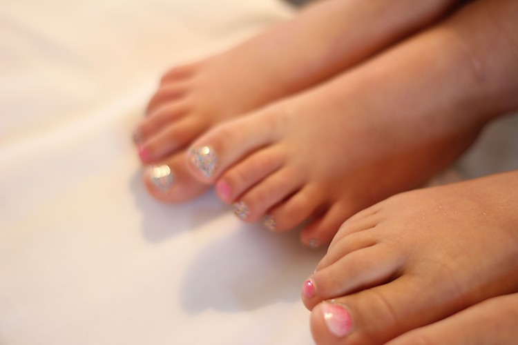 Jamberry Junior  toes